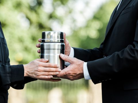 4 Things You Should Know About Cremation Services